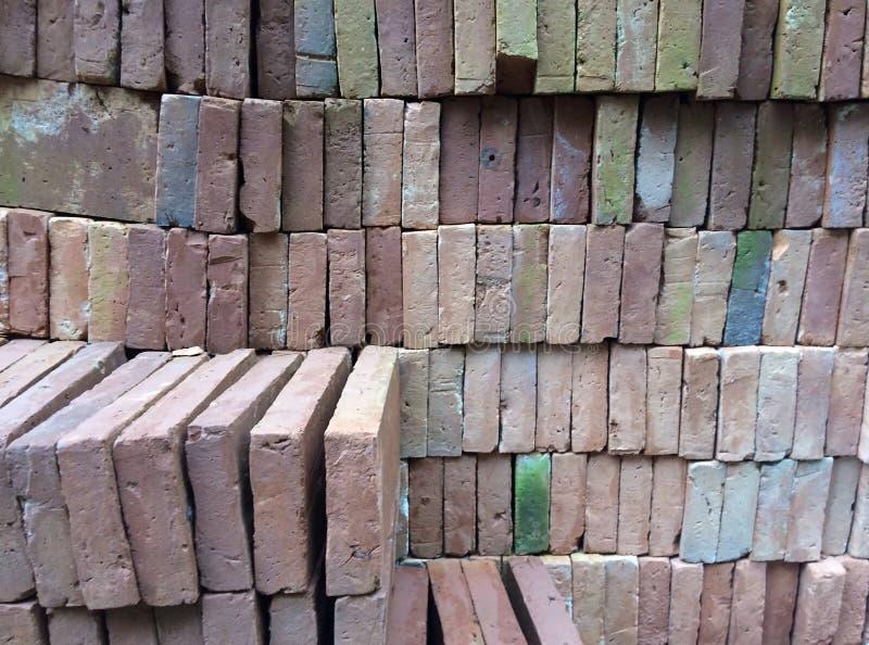 Fond de mur de briques approprié à un beau fond photos libres de droits