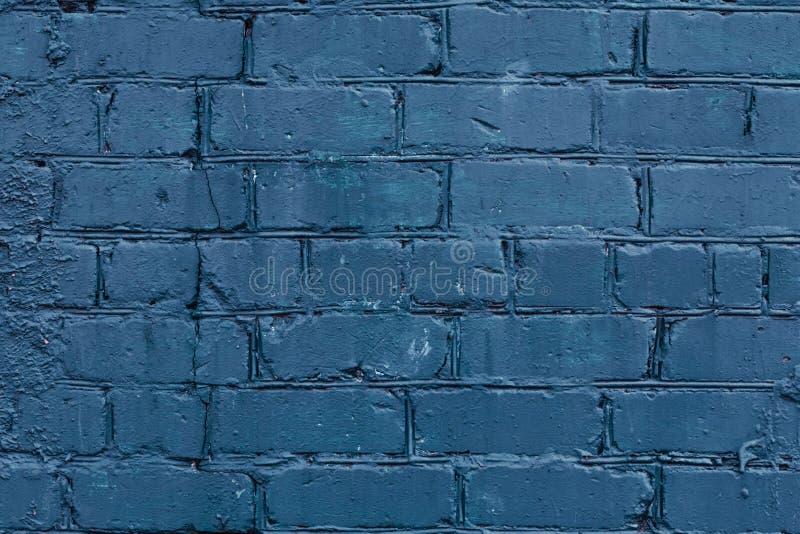Fond de mur de briques bleu-foncé Architecture minable bleu-foncé d'espace vide Fond grunge bleu-foncé Vieux mur de briques sale  photo stock