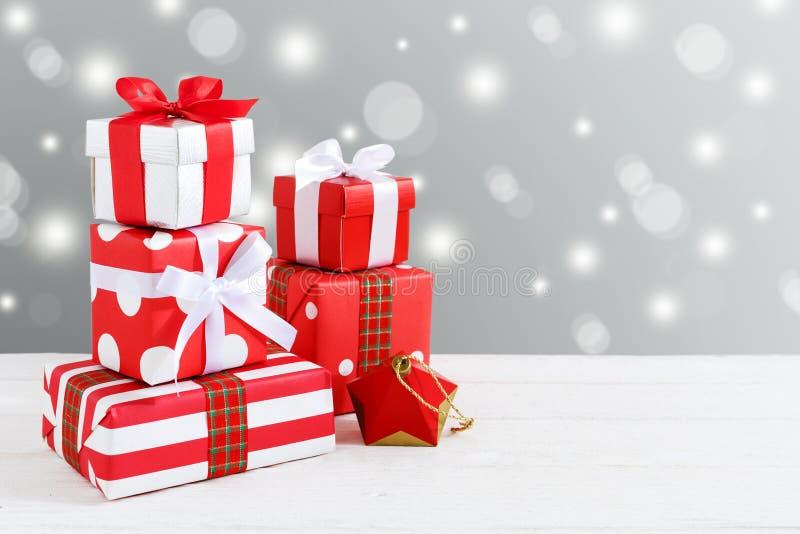 Fond de Noël avec des cadres de cadeau image libre de droits