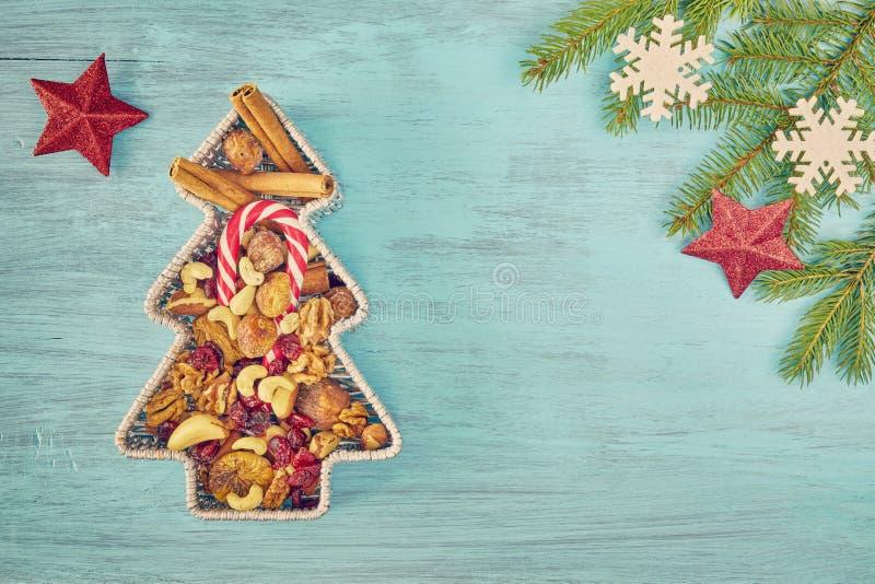 Download Fond De Noël Avec L'espace De Copie Image stock - Image du sapins, noix: 77160185