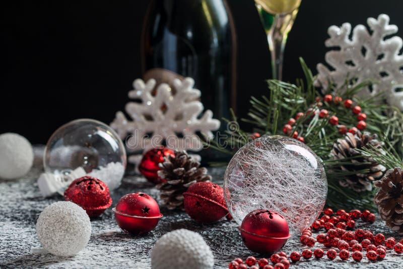 Download Fond De Noël Avec La Décoration De Fête Photo stock - Image du babiole, fond: 77158146