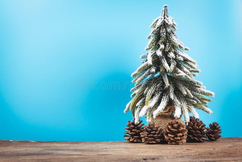 Fond de Noël ou de nouvelle année avec le pin du decorati de Noël photographie stock