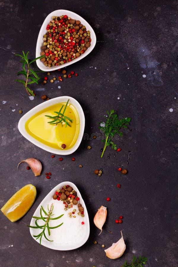 Fond de nourriture avec des épices images libres de droits