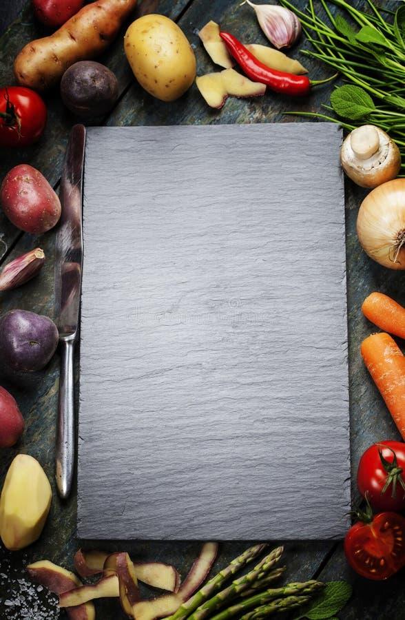 Fond de nourriture, avec les légumes frais image stock