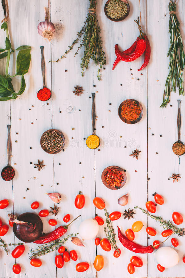 Fond de nourriture Configuration d'appartement d'assaisonnements photos stock