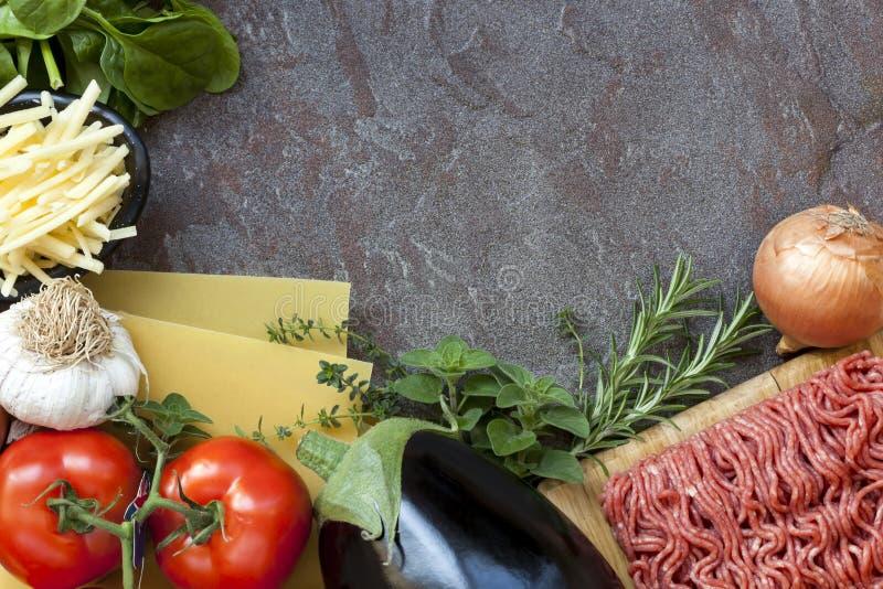 Fond de nourriture d'ingrédients de lasagne images stock