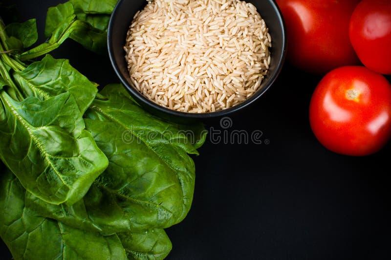 Fond de nourriture sur le noir images libres de droits
