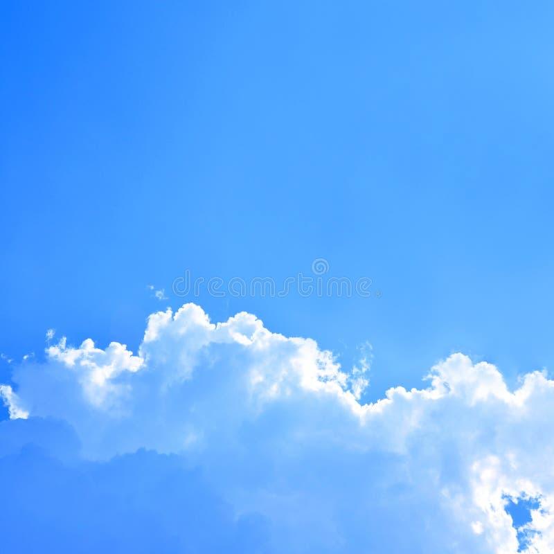 Fond de nuage et de ciel bleu photos libres de droits