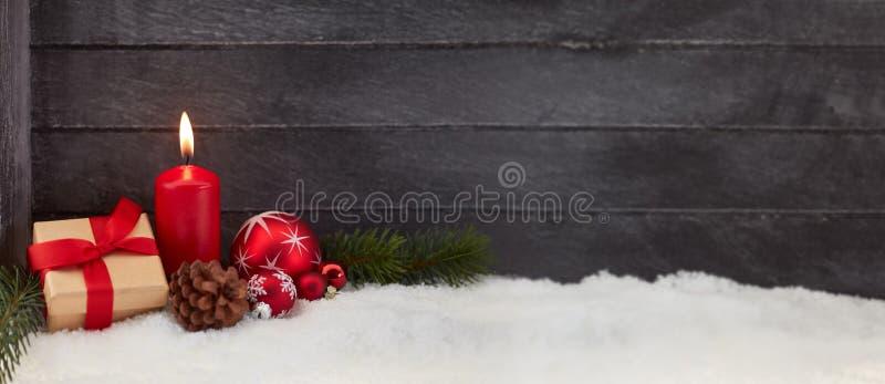 Fond de panorama de Noël avec la bougie photographie stock libre de droits