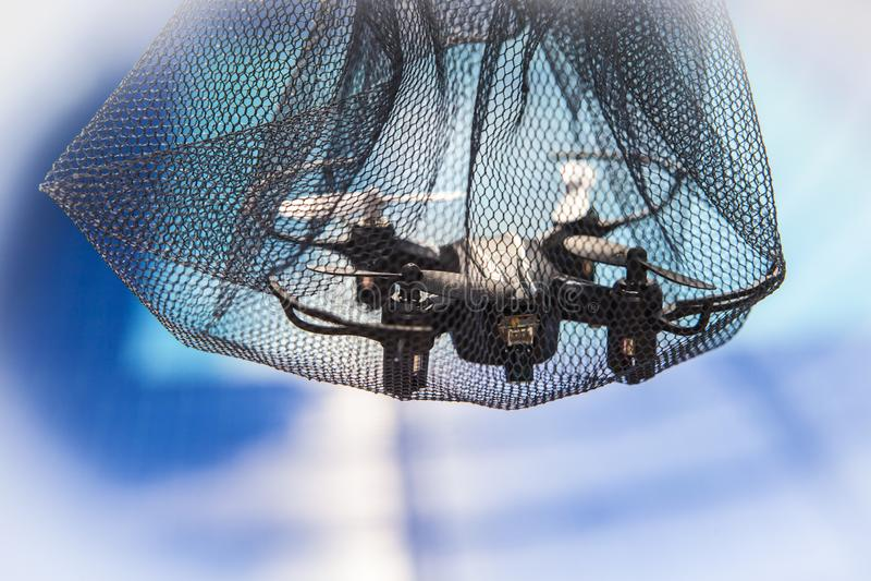Fond de piscine de grille de Quadcopter personne images libres de droits
