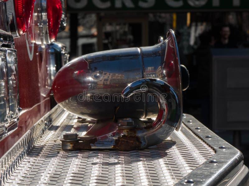Fond de plan rapproché de klaxon de camion de pompiers photo stock