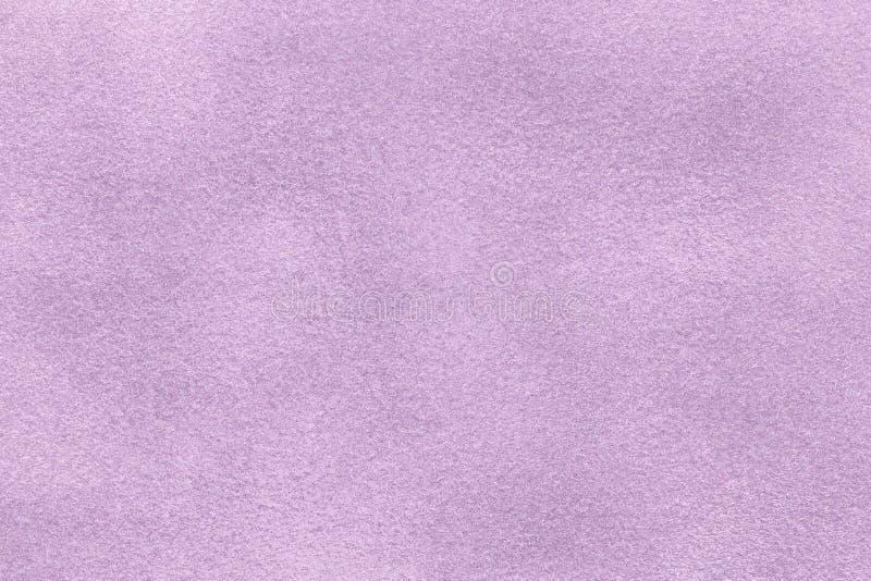 Fond de plan rapproché violet-clair de tissu de suède Texture mate de velours de textile lilas de nubuck image stock