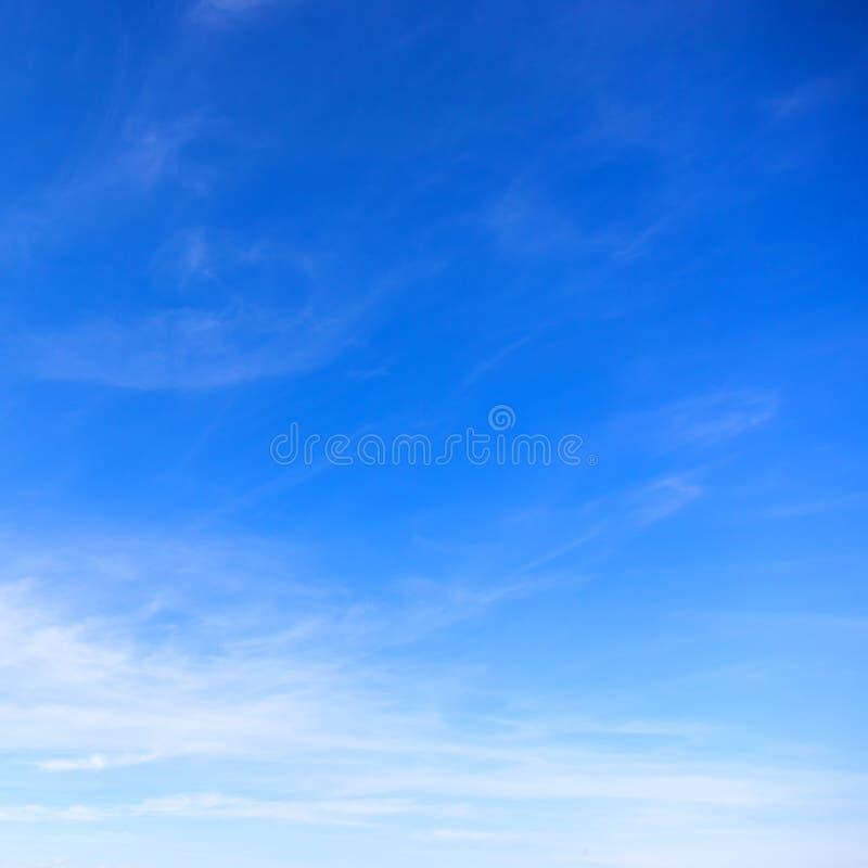 Fond de publicité idéal parfait de ciel bleu photo stock