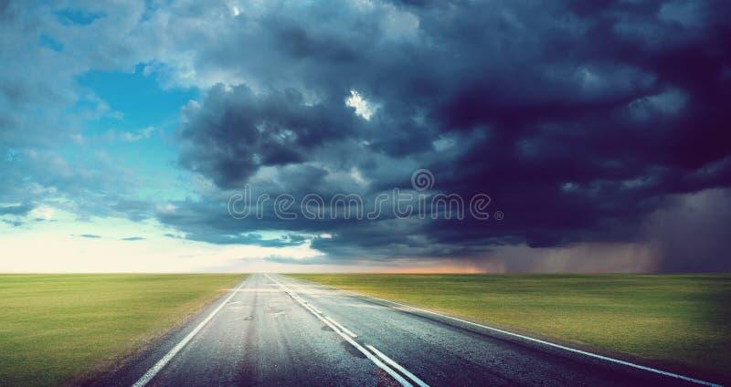 Fond de route de tornade d'ouragan photographie stock libre de droits