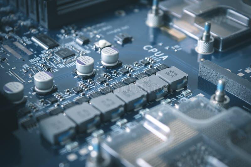 Fond de technologie avec le bleu de concept d'unité centrale de traitement de processeurs d'ordinateur image stock