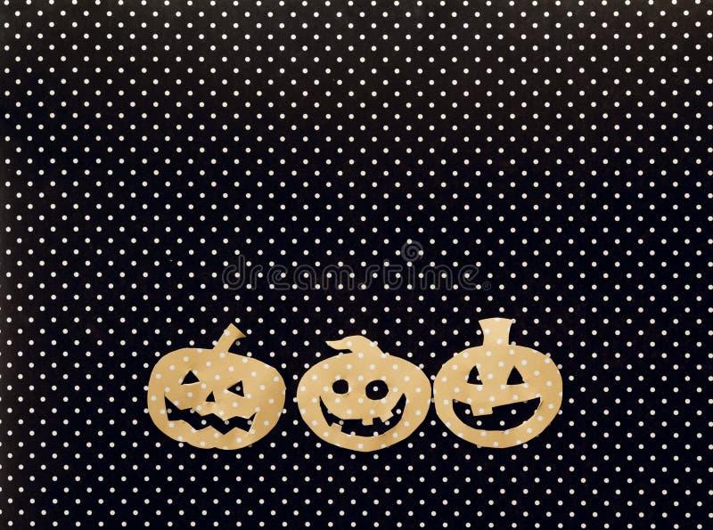 Fond de vacances de Halloween avec la Jack-o'-lanterne de potirons dessus image libre de droits