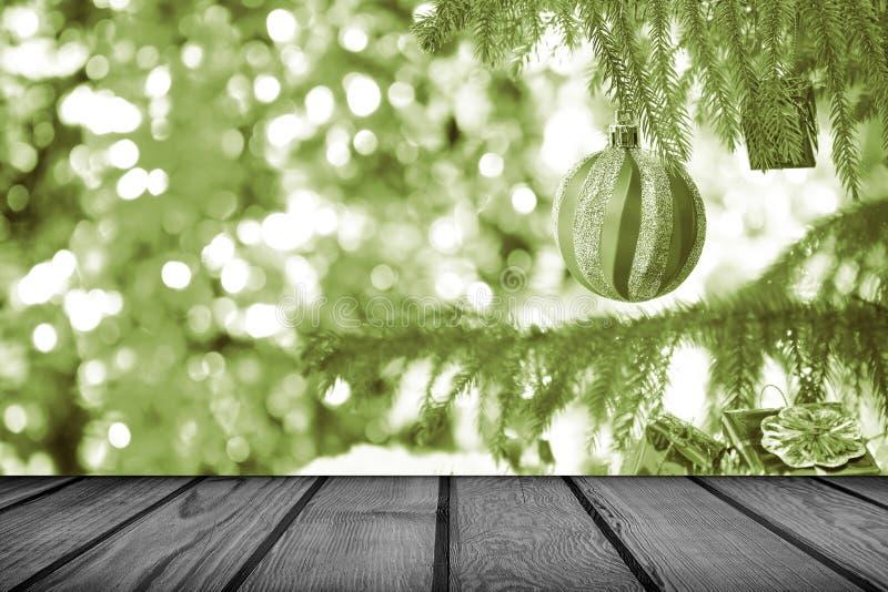 Fond de vacances de Noël avec la table en bois vide de plate-forme, Vinta photos stock