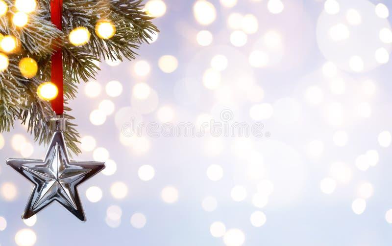 Fond de vacances de Noël d'art ; lumière d'arbre image stock