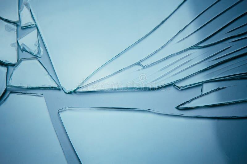 Fond de verre brisé pour vos images isolées sur blanc Beaucoup de gros fragments de débris photographie stock
