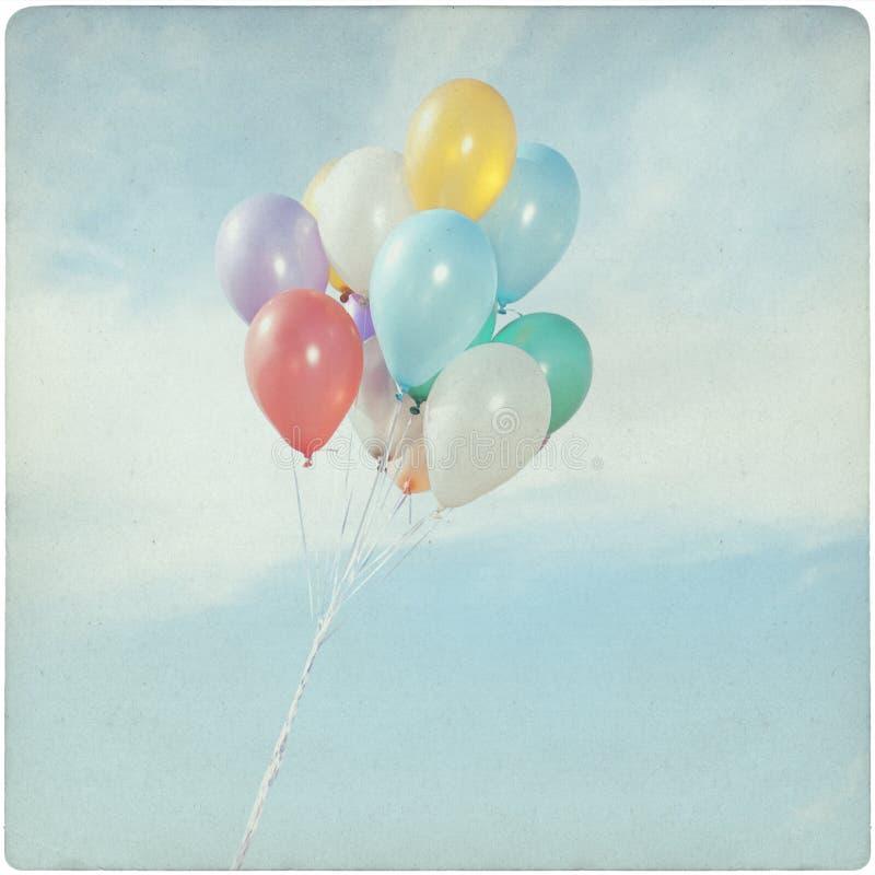 Fond de vintage des ballons colorés photos stock