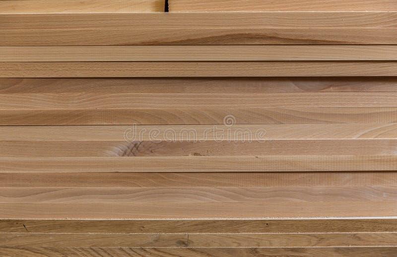 Fond des conseils matériau de construction en bois pour le fond et la texture traitement de bois Travail de menuiserie Meubles en photos stock