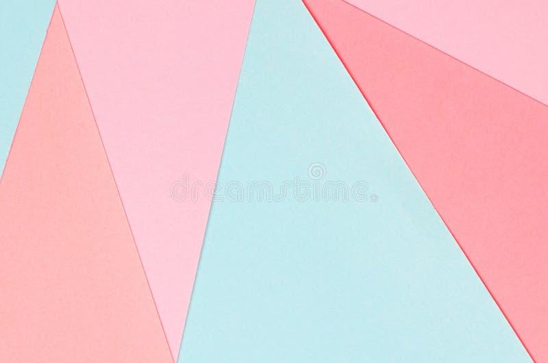 Fond des formes géométriques de papier coloré images stock