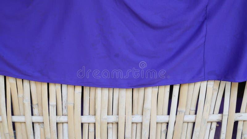 Fond en bambou naturel de tapis plat tiss? par bambou photo stock