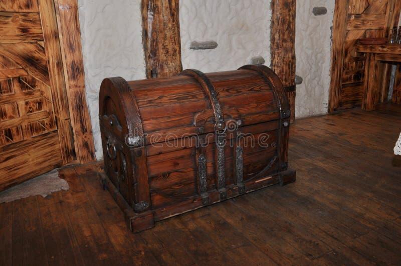 Fond en bois de coffre en bois antique photos libres de droits