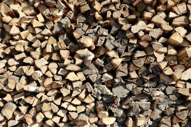 Fond en bois de rondin uel Moisson du bois de chauffage pour l'hiver enregistrement image libre de droits