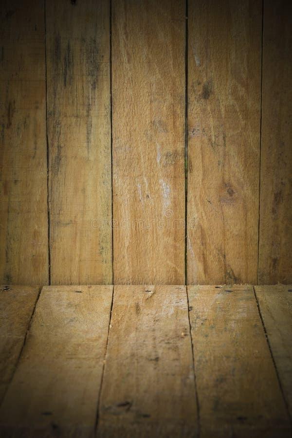 Fond en bois de texture de brun de planche de pin images libres de droits