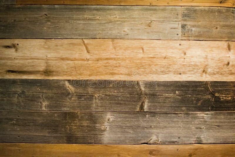 Fond en bois de texture Planche à découper grunge rayée par obscurité Vieux fond en bois dur de mur de planche photographie stock libre de droits