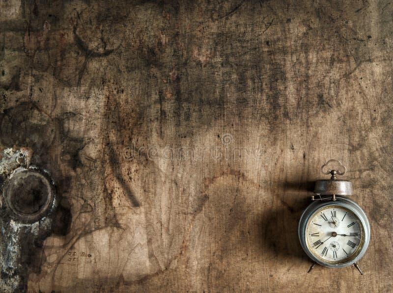 Fond en bois rustique de réveil antique photo stock