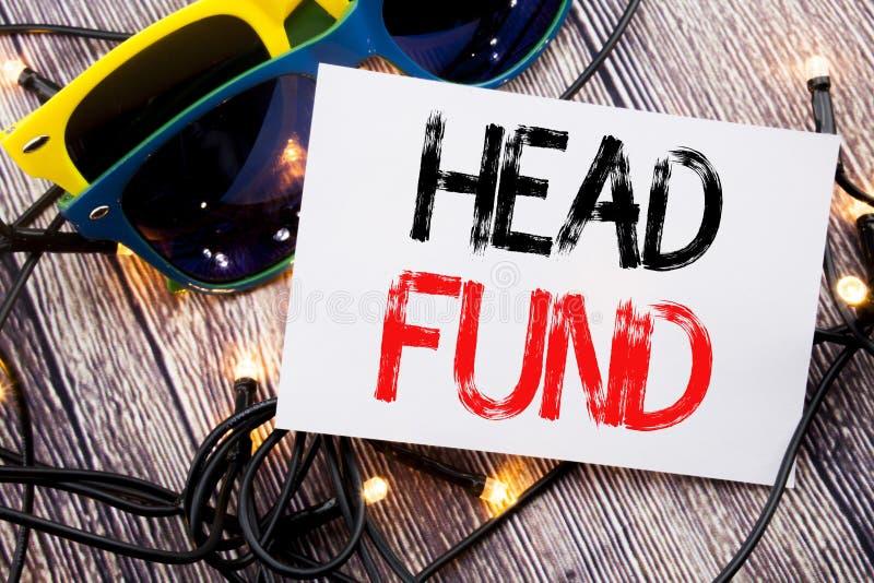 Fond för huvud för handstiltextvisning Affärsidé för investeringfinansieringpengar som är skriftliga på klibbig anmärkning med ko fotografering för bildbyråer