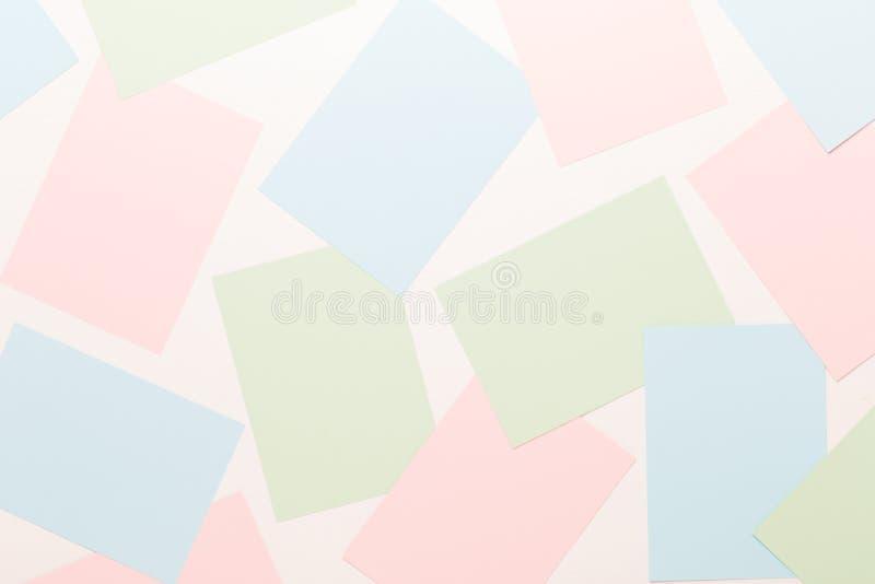 Fond géométrique abstrait dans des tons en pastel légers des feuilles de pâle épais après le papier photos libres de droits