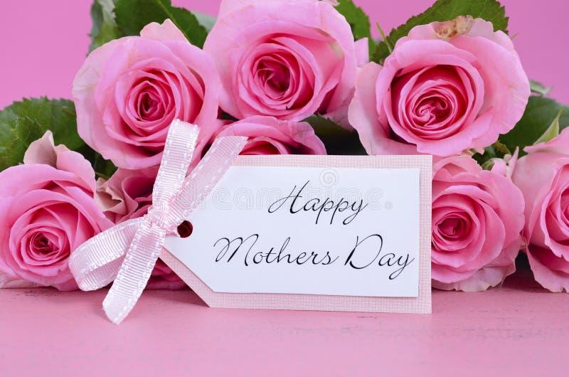 Fond heureux de roses de rose de jour de mères photos libres de droits