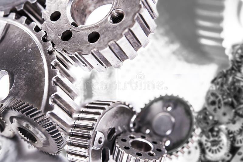 Fond industriel lourd avec des pièces d'engrenage de transmission images stock