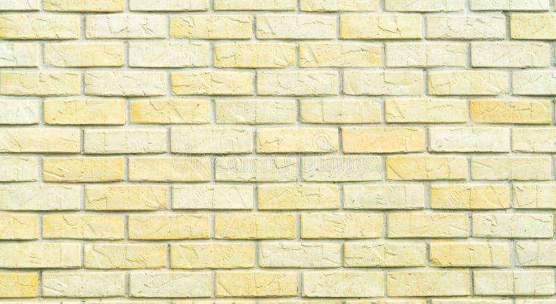 Fond jaune et blanc de texture de mur de briques avec l'espace pour le texte Vieux papier peint de briques Décoration intérieure  image stock
