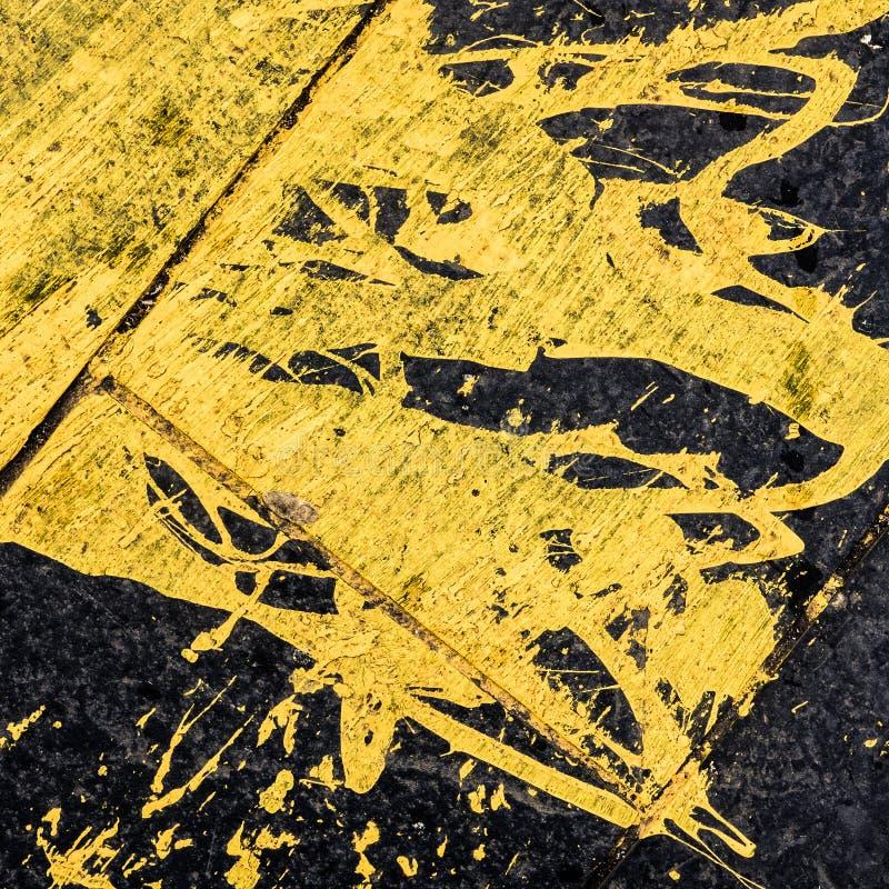 Fond jaune renversé de peinture image libre de droits