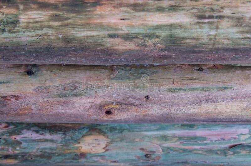 Fond naturel de pin de rondin de fond de toile avec le modèle naturel de nuance lilas horizontal images stock