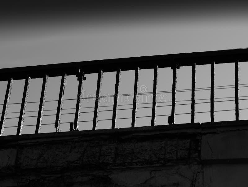 Fond noir et blanc diagonal de frontière de pont photographie stock