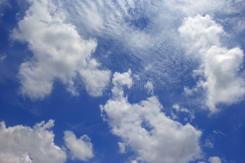 Fond nuageux de ciel bleu, CloudTextured photographie stock