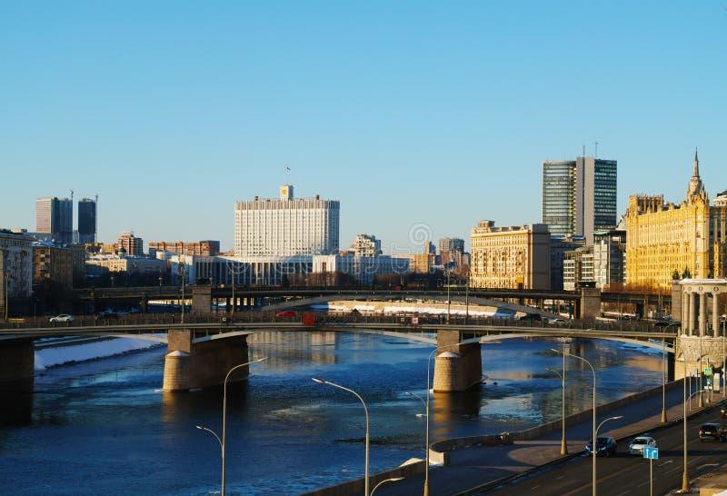 Fond pâle de résidence russe de gouvernement photos libres de droits