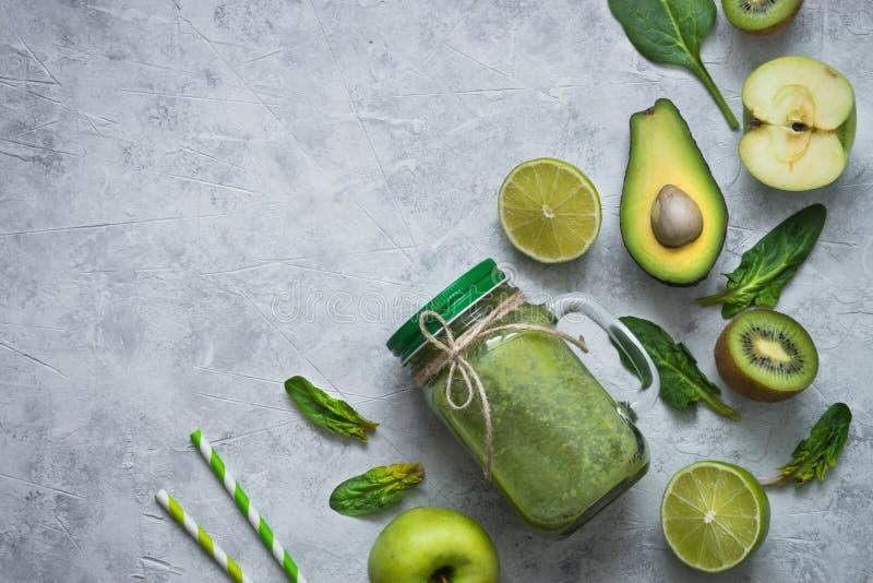 Fond sain de nourriture verte - smoothie et ingrédients images libres de droits