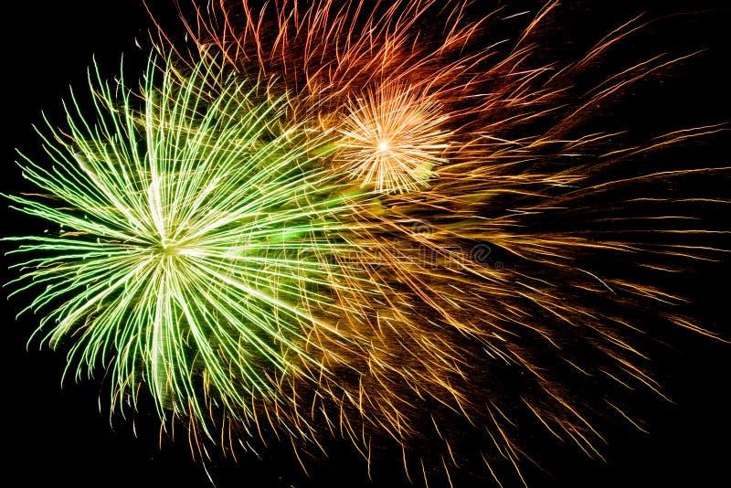 Fond spectaculaire de feux d'artifice image stock