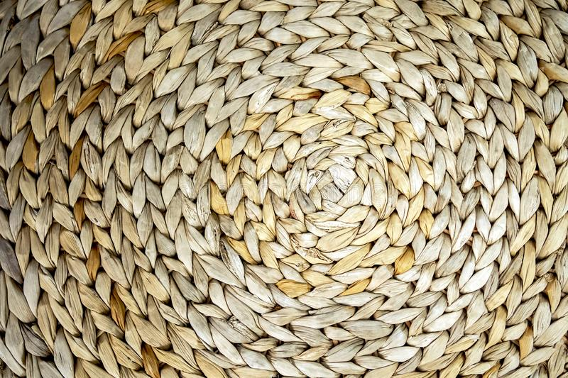 Fond texturisé d'un modèle tissé par algue de cercle, contexte en gros plan photos stock