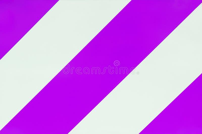 Fond violet de rétro style et blanc rayé de couleur images stock