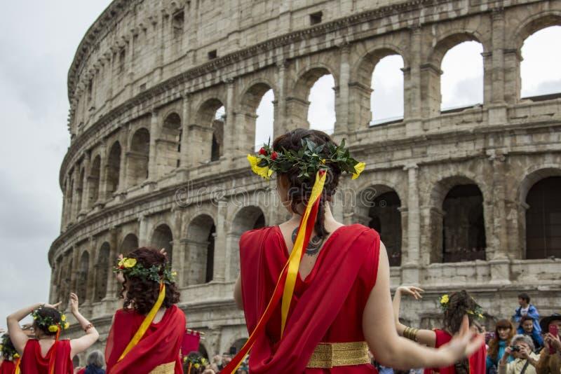 Fondare di Roma: parata tramite le vie di Roma immagini stock