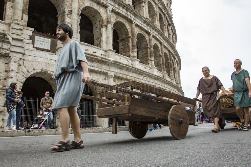 Fondare di Roma: parata tramite le vie di Roma fotografie stock