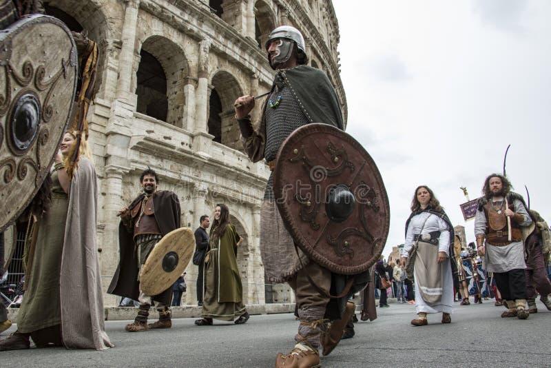 Fondare di Roma: parata tramite le vie di Roma fotografia stock
