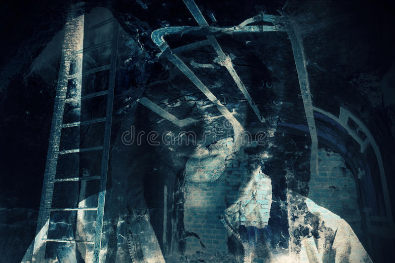 Fondo abstracto del horror, sitio oscuro con el fantasma fotografía de archivo libre de regalías